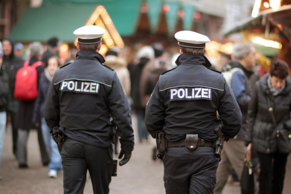 Polizei und Veranstalter haben beim Thema Sicherheit rund um den Weihnachtsmarkt in den letzten Jahren gehörig aufgerüstet.
