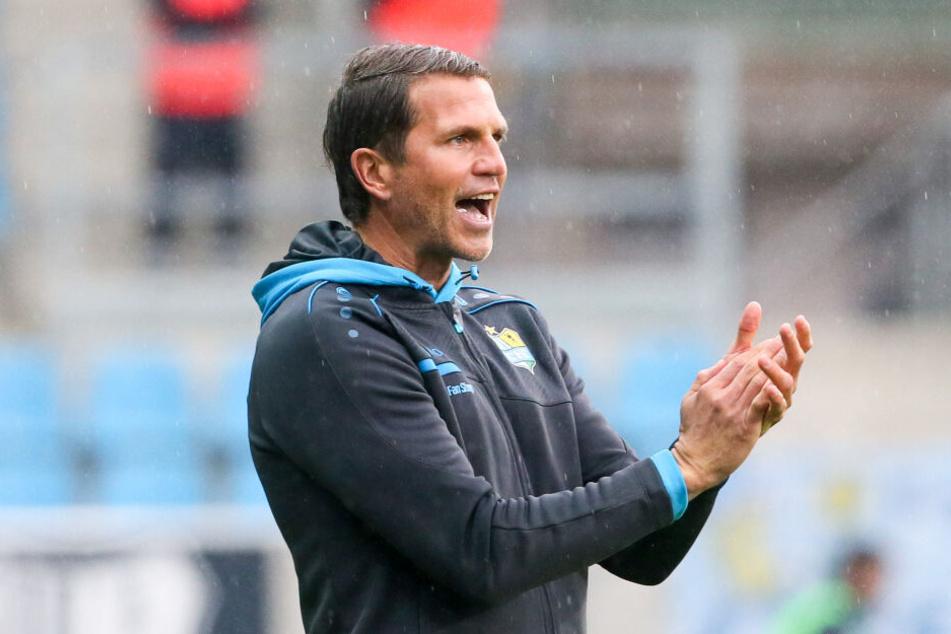 Glöckner ist zufrieden mit der Leistung seiner Mannschaft.
