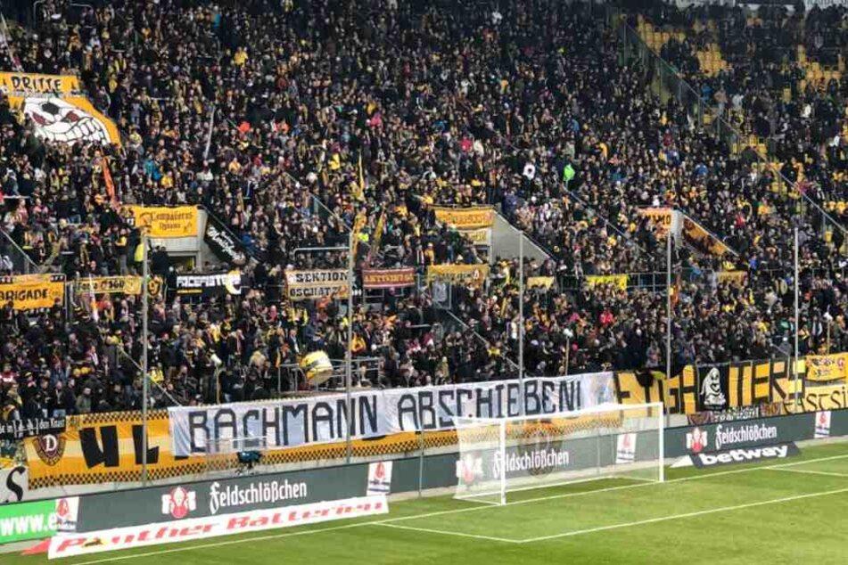 Die Botschaft der Ultras gestern zu lesen auf einem Banner im K-Block.