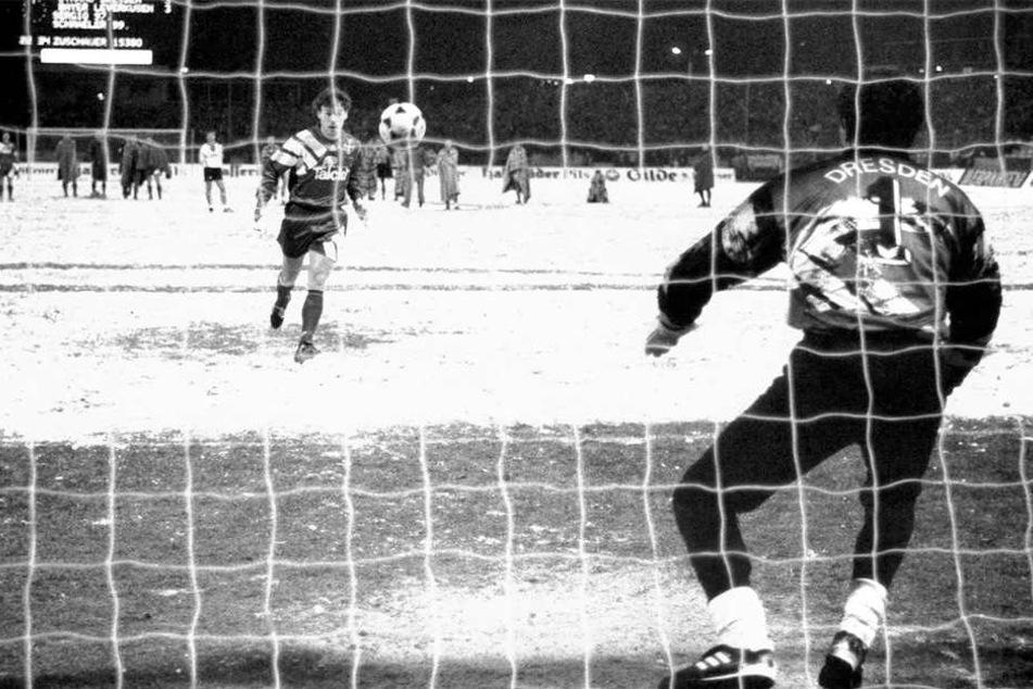 Der Elfmeter, den die Dynamo-Fans nie vergessen werden!