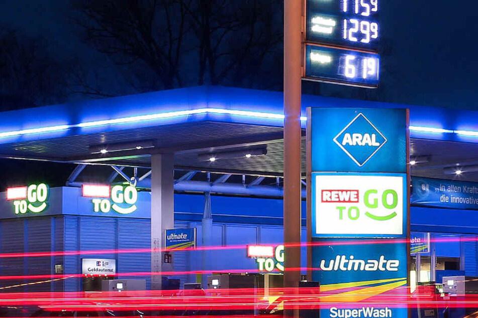 In vier Bielefelder Tankstellen zieht der Mini-Markt ein.