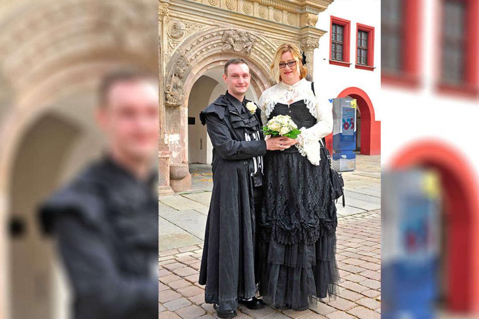 Am schnellsten: Die Gothik-Fans Sören (30) und Marion Mansch (34) meldeten sich als erste für den 18.8.18 an.