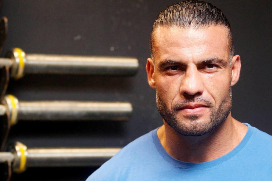Der Boxweltmeister bestreitet die Einnahem verbotener Mittel und nach den Vorwürfen am Boden zerstört.