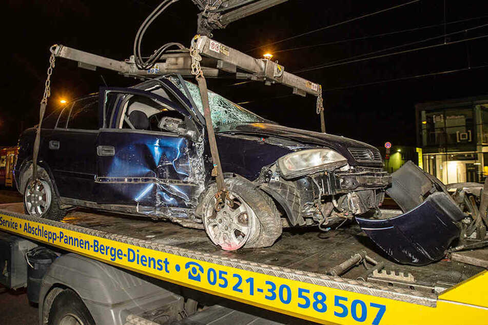 Der Opel Astra war völlig zerstört.