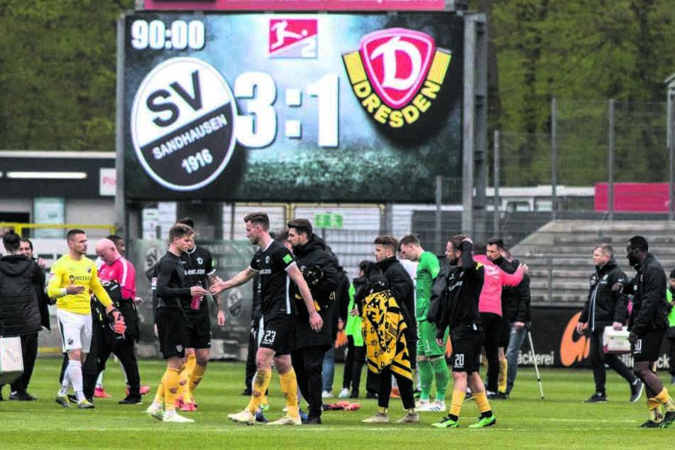 Eine Woche zuvor schlichen die Schwarz-Gelben in Sandhausen mit hängenden Köpfen vom Platz. Die Anzeigetafel verriet es - 1:3 aus Dresdner Sicht!