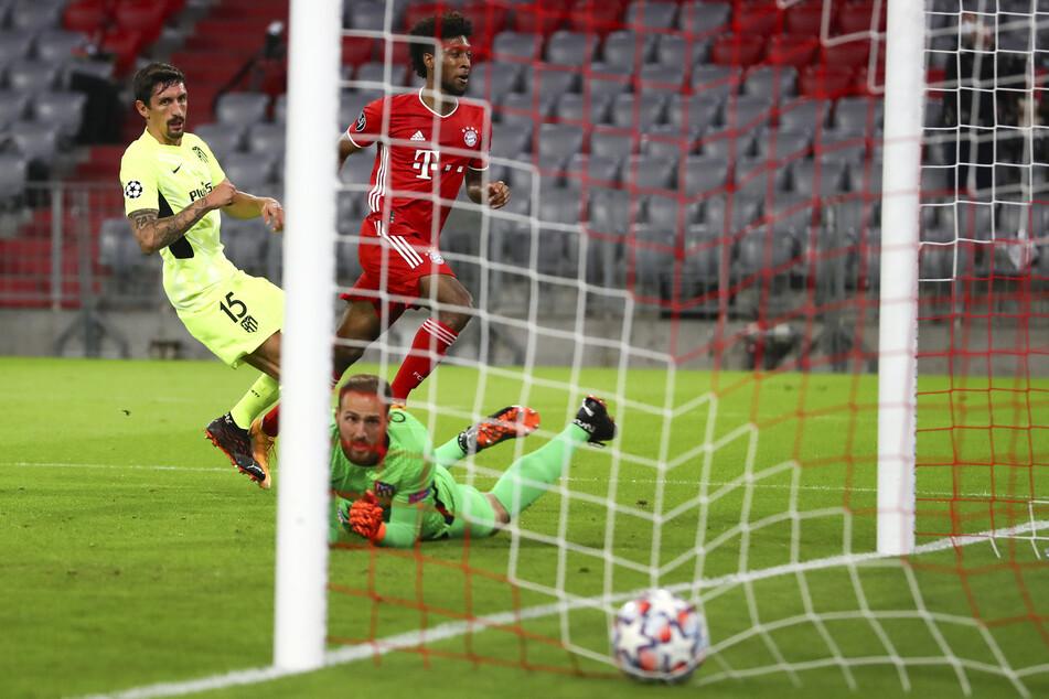 Drin ist das Ding! Kingsley Coman (M.) ließ Jan Oblak im Kasten von Atlético Madrid keine Chance und traf in Durchgang eins zur Führung.