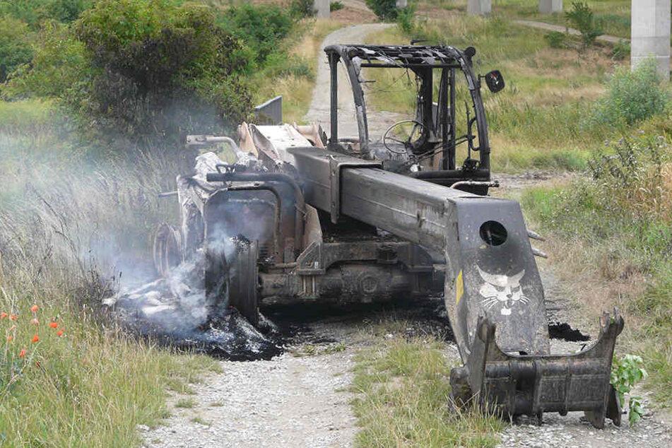 Roadtrip mit gestohlenem Bagger: Das blieb von ihm übrig