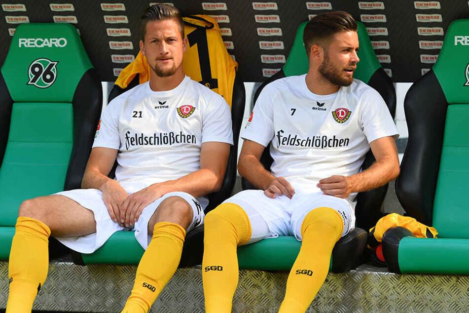 Bei Dynamo blieb Hendrik Starostzik (links), hier neben Niklas Kreuzer, nur der Platz auf der Bank.