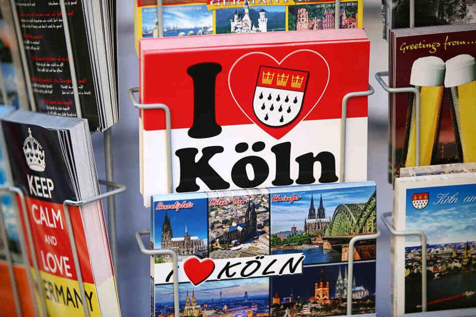 Postkarten werden noch millionenfach verschickt, die Zahl ist aber rückläufig.
