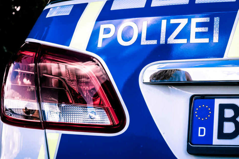 Die Polizei erwartete die 17-Jährige und ihre Klasse am Bahnhof in Friedberg (Symbolbild).