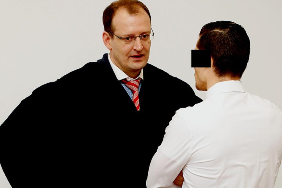Mussten am Donnerstag wieder vors Landgericht: Rechtsanwalt Torsten Oelscher (36, l.) und Tim R. (30).