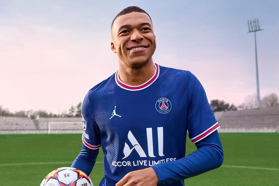 Auch in diesem Jahr ist Kylian Mbappé (22) von Paris Saint-Germain das Gesicht der FIFA-Kampagne. Hätte der Wechsel zu Real Madrid geklappt, hätte EA wohl einiges an Arbeit vor sich gehabt.