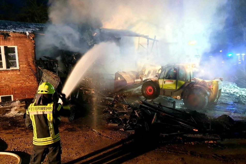 Die Feuerwehr löschte die Flammen.
