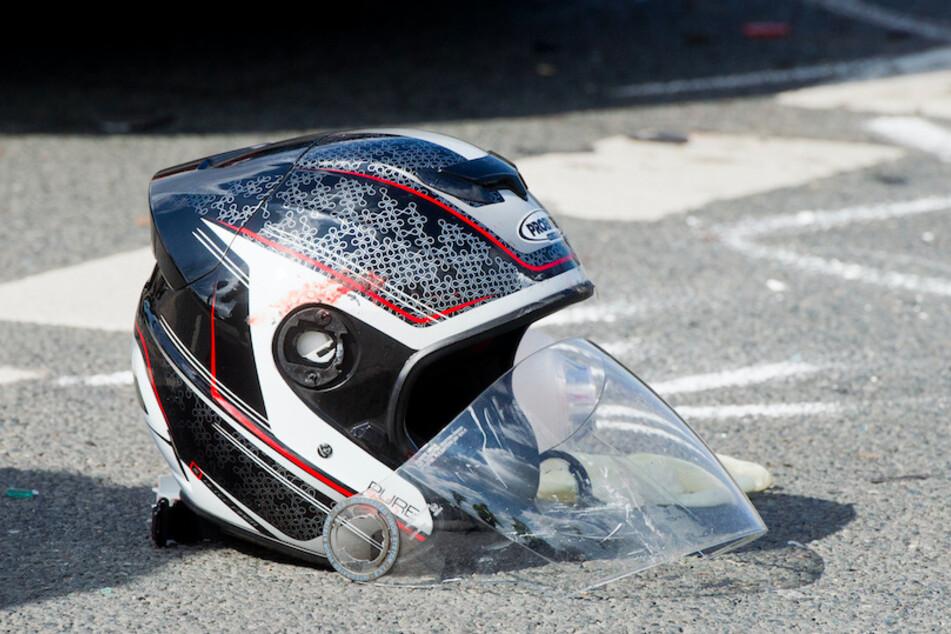 Tödlicher Unfall beim Abbiegen: Motorradfahrer (36) stirbt