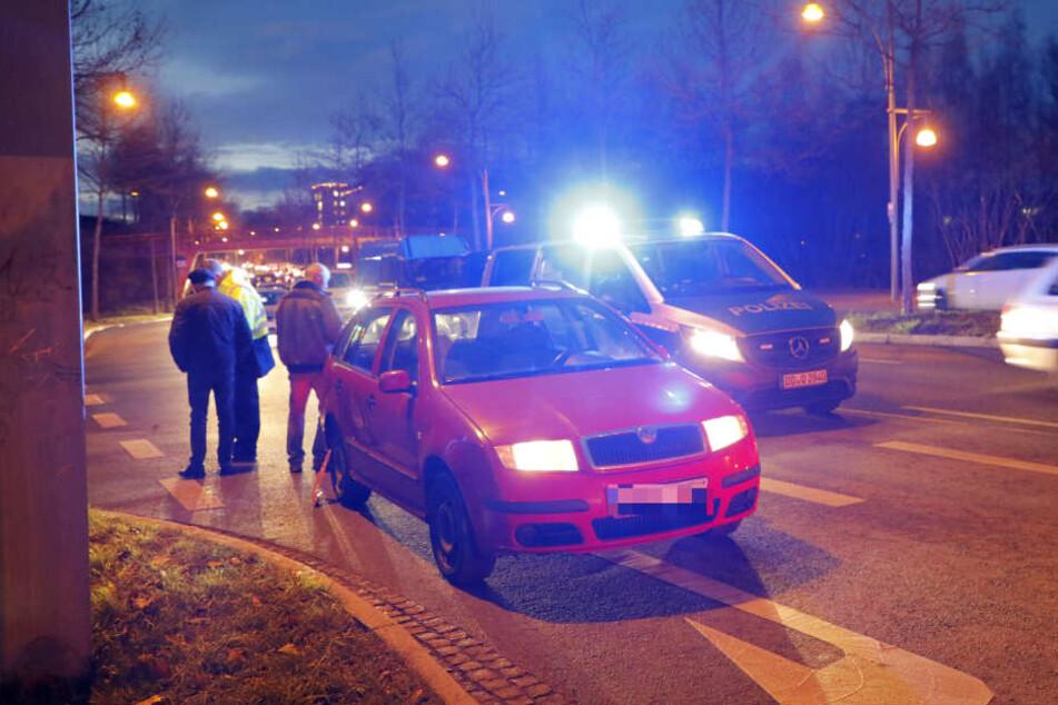 Fußgängerin (54) in Chemnitz von Auto erfasst und schwer verletzt