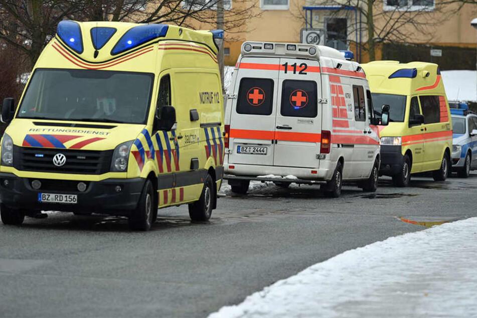 Polizei und Rettungsdienst wurden zu einer Schule nahe Bautzen gerufen.