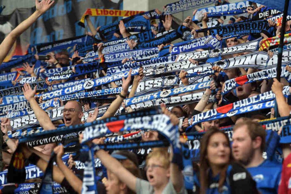 Die Fans des SC Paderborn haben momentan allen Grund zum Jubeln. Die Finanzlage ist dennoch wieder angespannt.