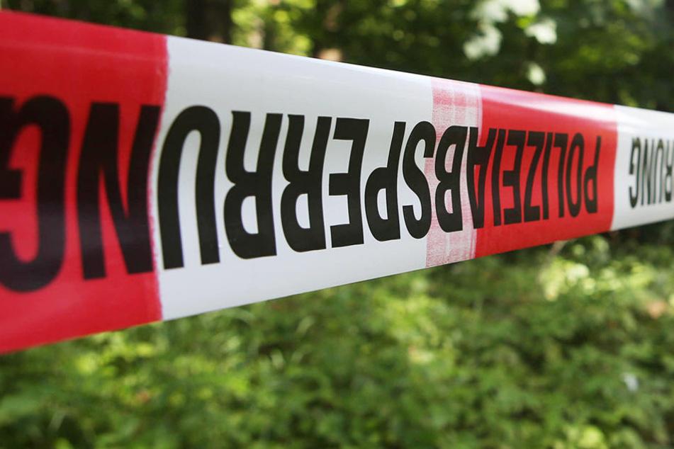Die Ermittler haben nun herausgefunden, dass die Leiche einer jungen Frau zuzuordnen ist. Wie sie zu Tode kam, ist allerdings noch unklar.