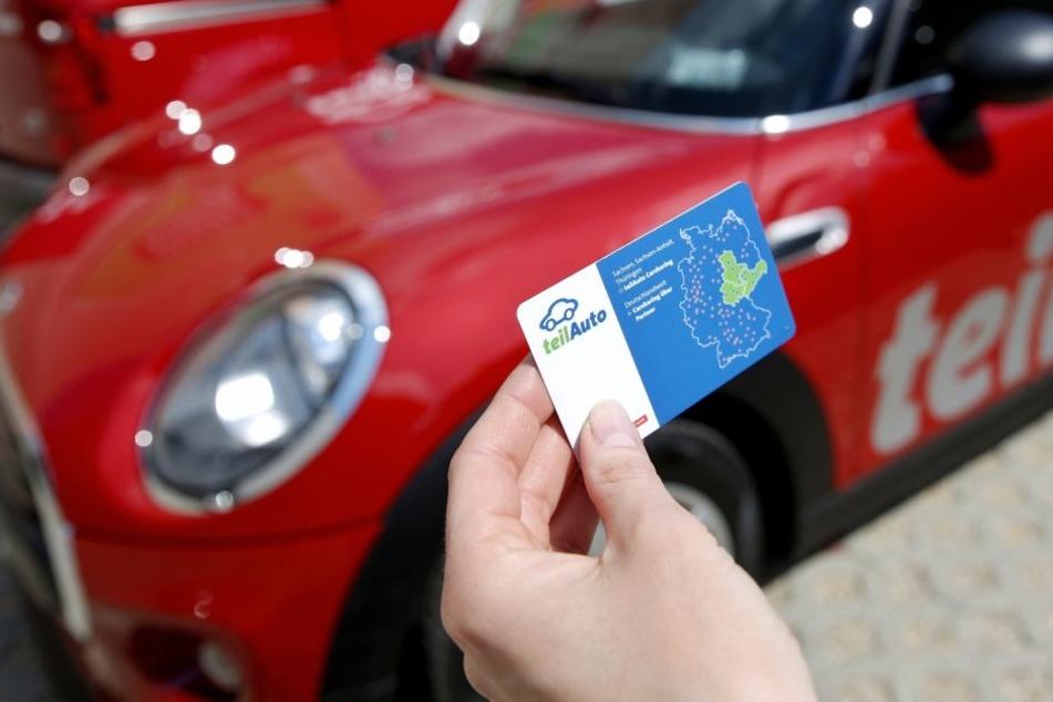 """Mit solch einer Zugangskarte kann man die Fahrzeuge an den Stationen von """"teilAuto"""" aufsperren. Die neuen City-Flitzer lassen sich per Handy-App öffnen."""
