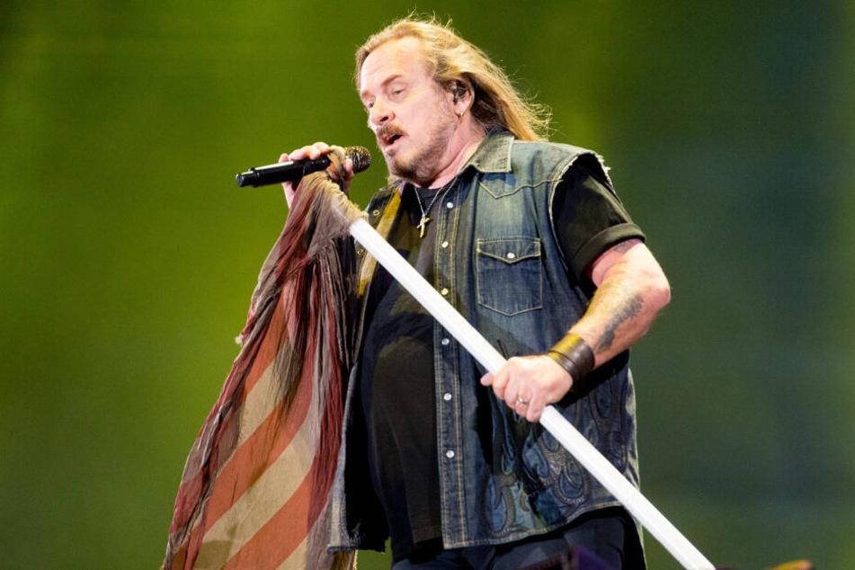 Auch Lynyrd Skynyrd um Frontmann Johnny Van Zant (60) sind im nächsten Sommer auf dem Theaterplatz.