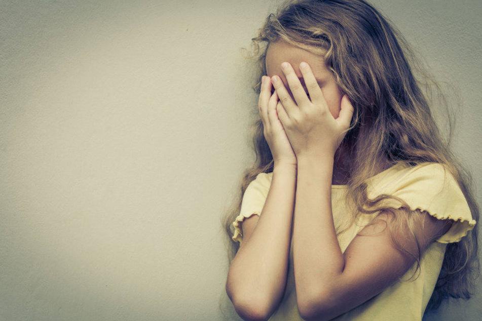 Ein 11-jähriges Mädchen soll drei Jahre lang von ihrem Vater missbraucht worden sein. (Symbolbild)