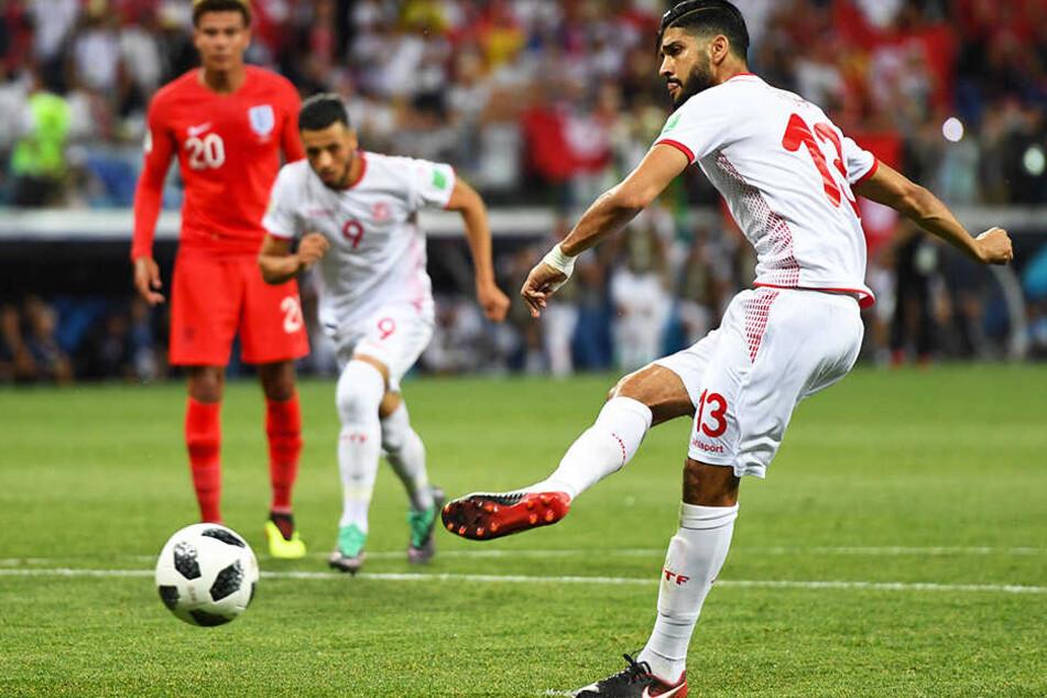Ferjani Sassi (r.) traf per Elfmeter zum Ausgleich für Tunesien.