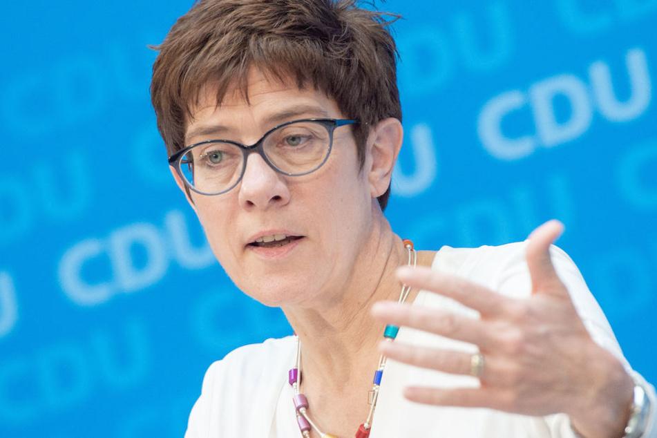 Als Spitzenpolitikerin genießt Annegret Kramp-Karrenbauer (56) viele Privilegien.
