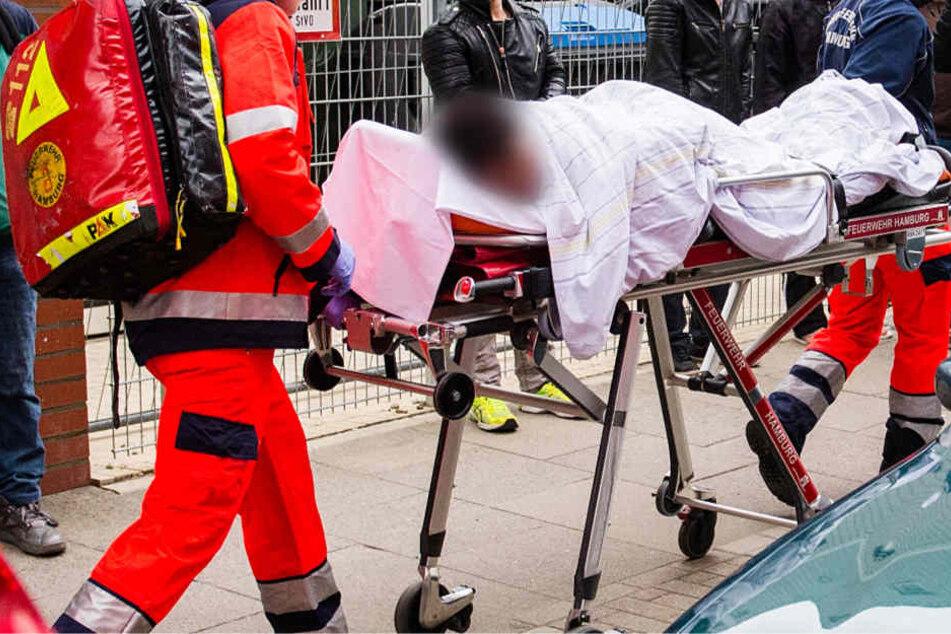 Der 35-jährige Pakistaner erlitt schwere Verletzungen und kam in eine Klinik (Symbolbild).