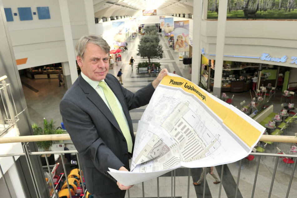 Neefe-Park-Manager Manfred Haendly (58) hat das Weihnachtsgeschäft 2018 voll im Blick. Vorher startet der Umbau für den Globus-Einzug.