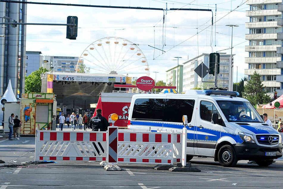 Die Polizei am Sonntag auf dem fast leeren Stadtfestgelände.