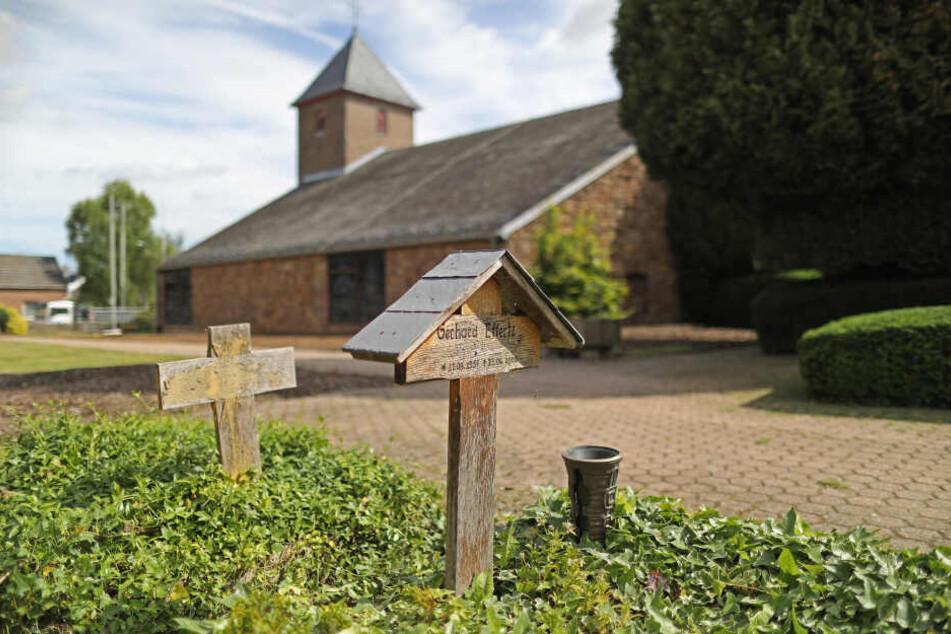 Diese Kirche am Tagebau Hambach ist dem Ende geweiht