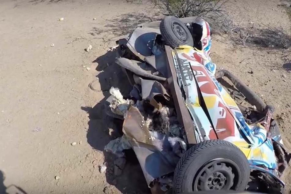 Auto stürzt über Area 51 vom Himmel