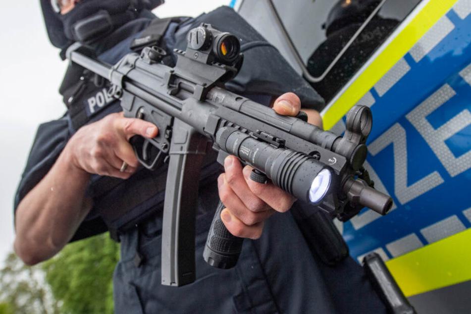 Vor knapp drei Jahren ging eine Maschinenpistole bei einem Einsatz in Leipzig-Grünau verloren. (Symbolbild)