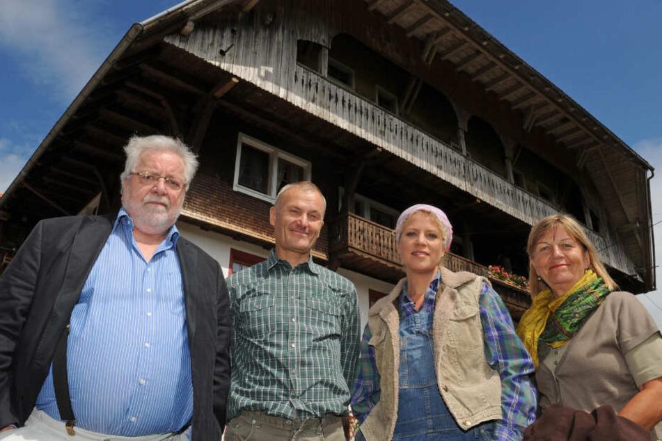 """""""Die Fallers""""-Schauspieler (v.l.) Wolfgang Hepp, Peter Schell, Christiane Brammer und Lisbeth Felder."""