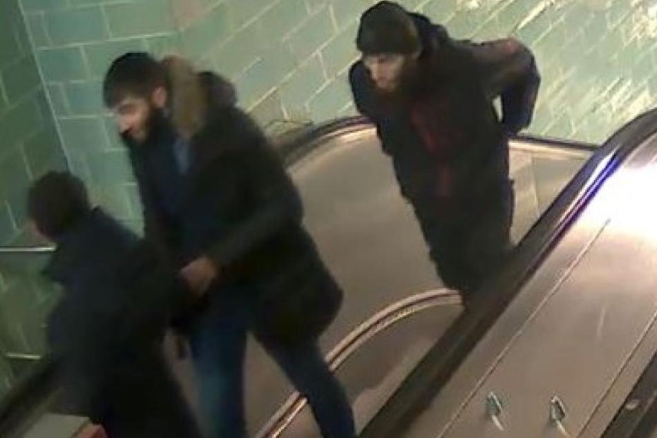Die Polizei in Berlin sucht die hier abgebildeten Männer