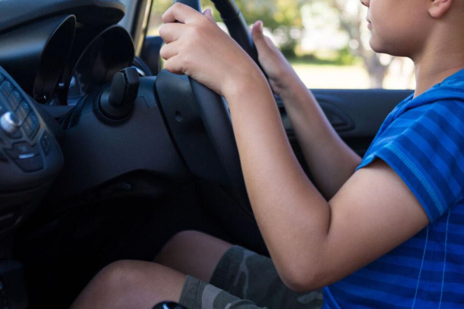 Teenie (16) fährt völlig betrunken Auto seiner Eltern und baut prompt Unfall