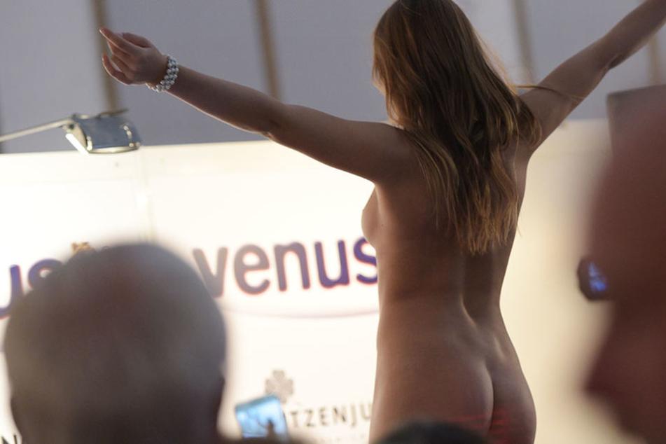 """Die Satire-Partei will eine """"Nacktpflicht für Frauen zwischen 18 und 25"""" einführen. (Symbolbild)"""