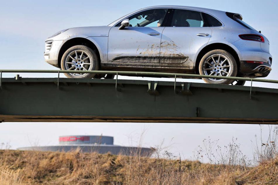 Ein Macan auf dem Offroad-Testgelände des Leipziger Porsche-Werks. Auch der neue Macan wird in Leipzig gebaut.