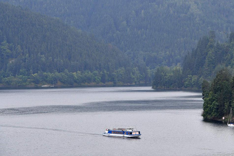 Beim Wandern verirrt: Polizei muss Kinder mit Boot retten