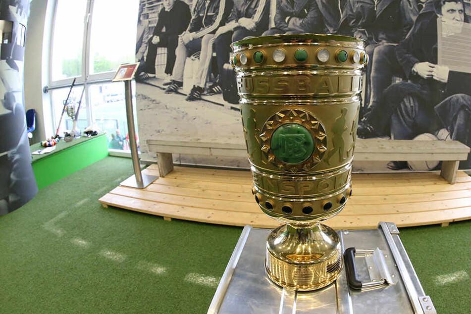 Die Sportfreunde Lotte wollen im Stadion des DSC Arminia Bielefeld gegen Borussia Dortmund antreten.