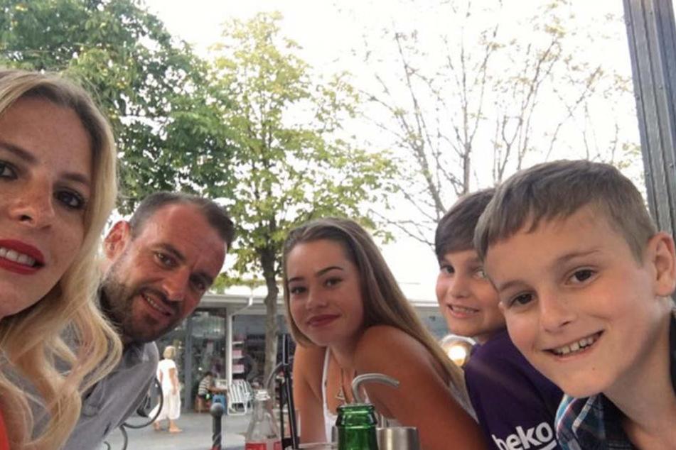 Familie Mackey aus Berkshire in glücklichen Tagen.