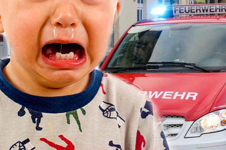 Erst die Feuerwehr konnte den Jungen aus dem Auto befreien. (Symbolbild)