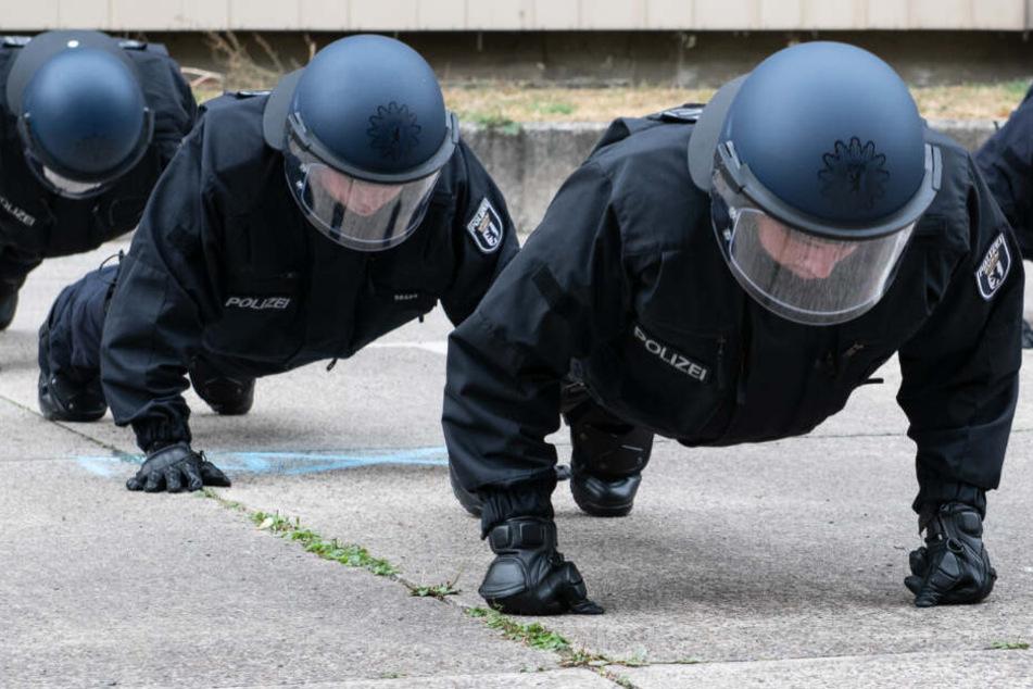Berlin: Kurden-Demo, Derby, Rigaer Straße: Berliner Polizei im Dauereinsatz!