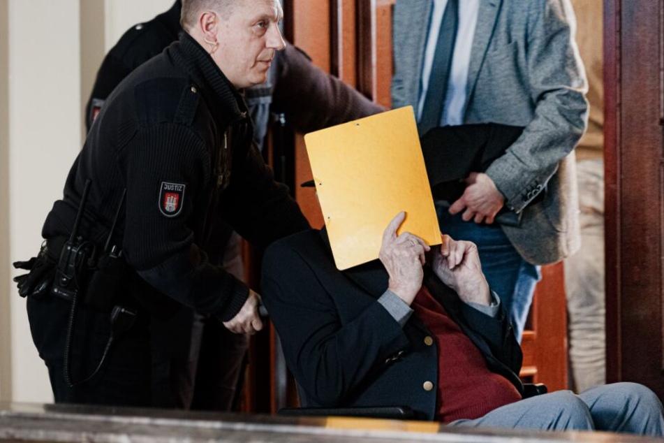 """KZ-Überlebender im SS-Prozess: """"Man hatte wahrscheinlich mehr Respekt für Tiere"""""""