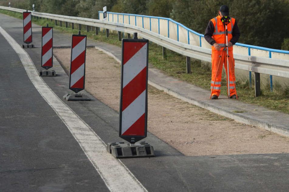 Nur ein Fahrstreifen steht Autofahrern am Montagabend ab 20 Uhr auf der A2 zur Verfügung. (Symbolbild)