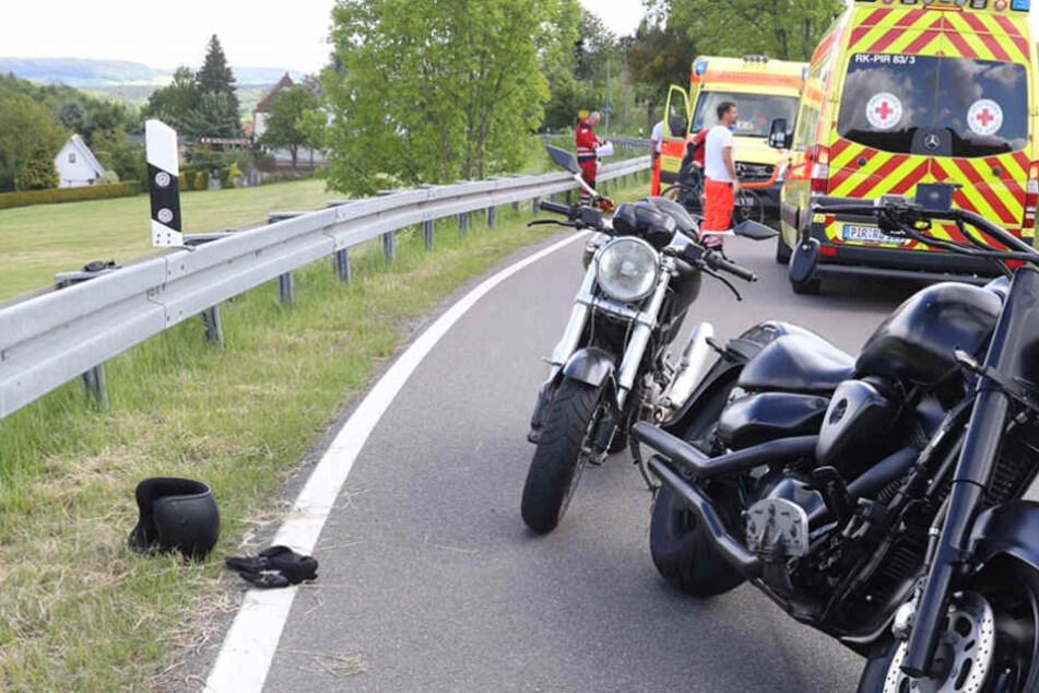 Fahrradfahrer krachen in Motorräder! Vier Verletzte
