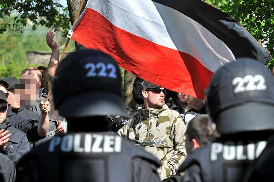 """Kracht es am 1. Mai in Halle (Saale) zwischen """"Die Rechte""""-Anhängern und Gegendemonstranten?"""