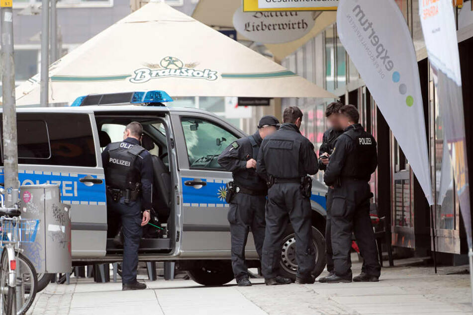 Die Polizei ist mit zahlreichen Kräften im Einsatz.
