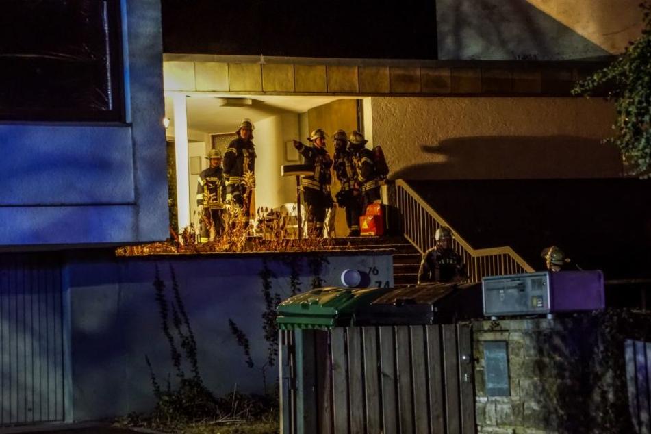 Zehn Bewohner, darunter acht Kinder im Alter von vier bis 19 Jahren, wurden von der Feuerwehr in Sicherheit gebracht.