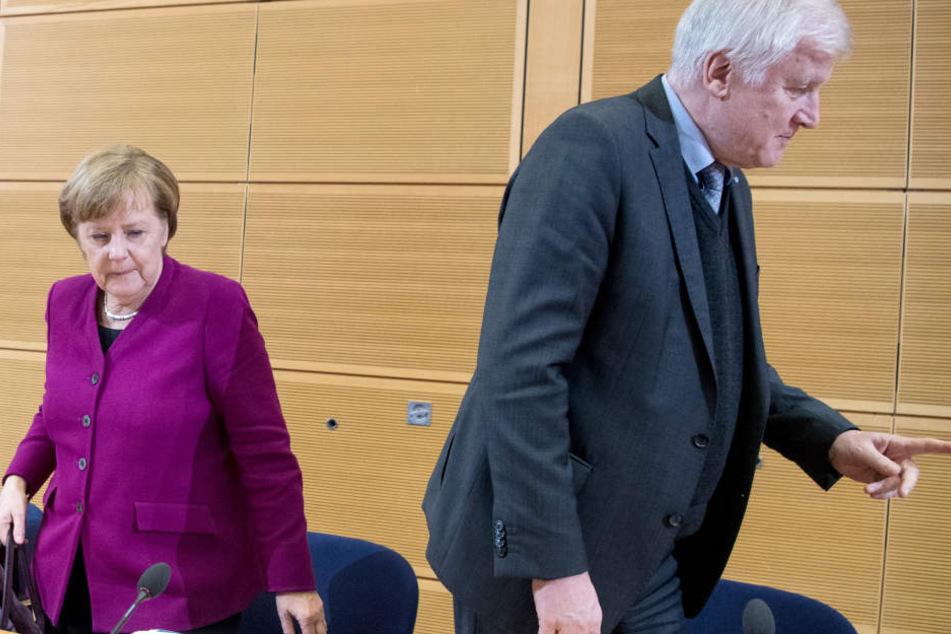 Der wochenlange Streit zwischen Bundeskanzlerin Angela Merkel (63, CDU) und Innenminister Horst Seehofer (69, CSU) kam in der Bevölkerung nicht gut an.